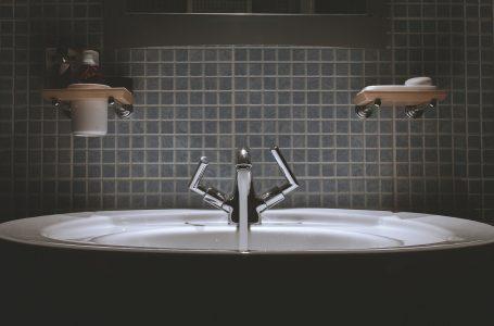 Quelle est la hauteur d'un lavabo de salle de bain?